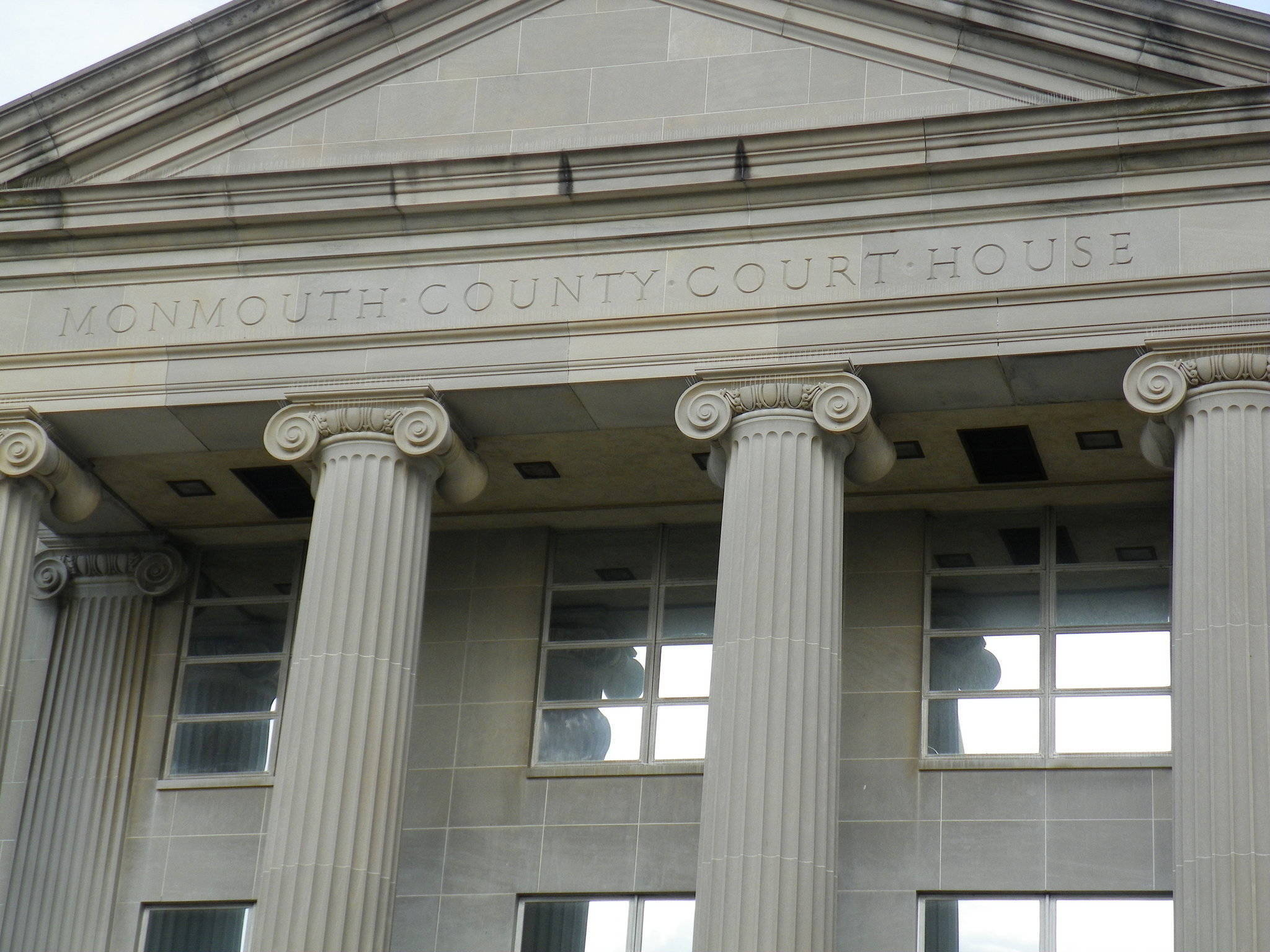 6c995f07728a6239f258_monmouthcountycourthouse.jpg