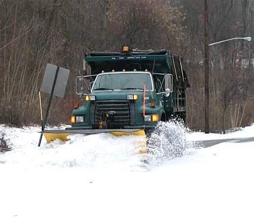 6cc43e0871d4190cbbf0_43575e8eca6713fed503_snow_plow.jpg