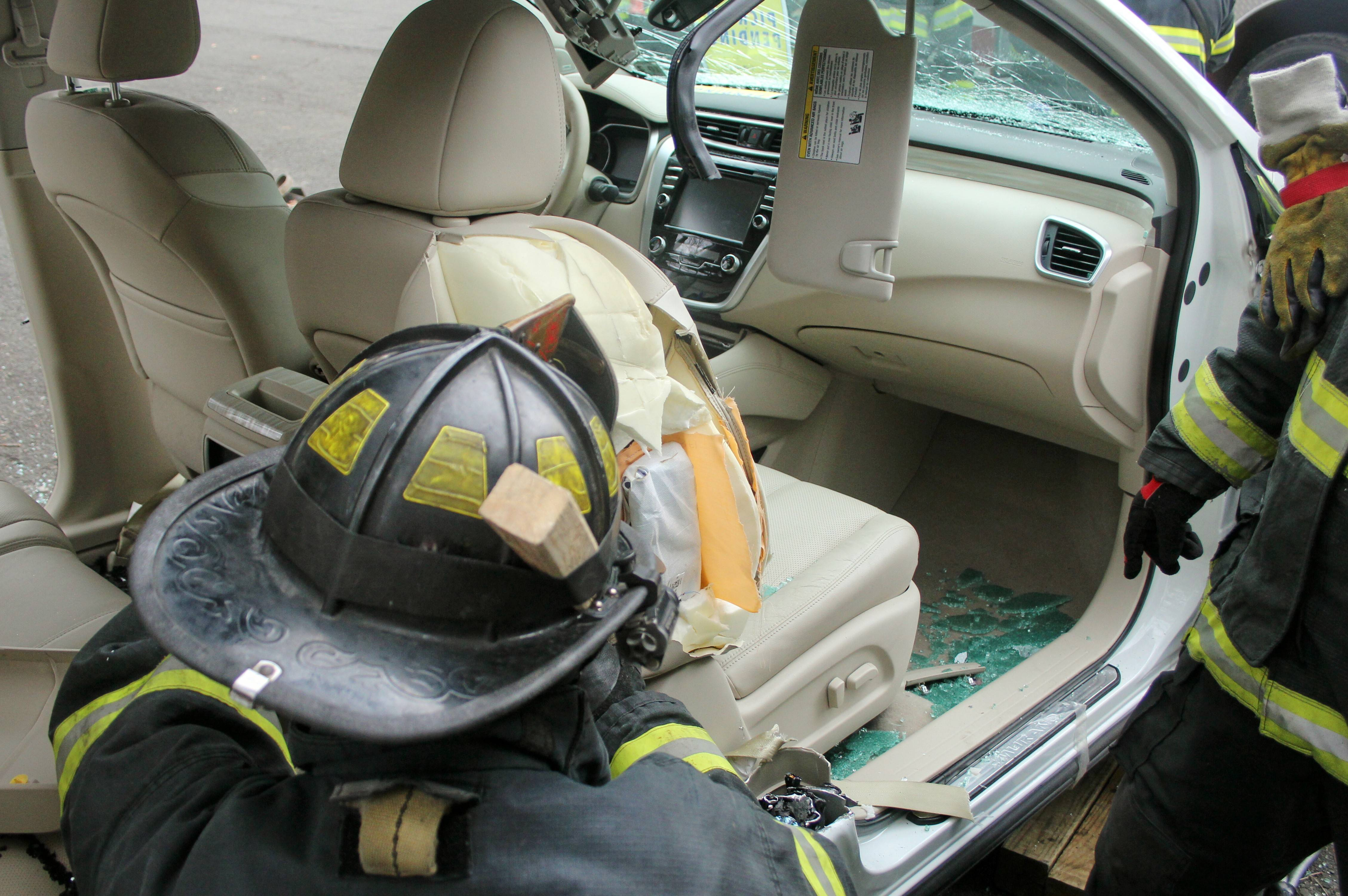 70118fdb8863ebd67f14_Nissan_Murano_Bloomfield_Fire_Department_Training_047.jpg