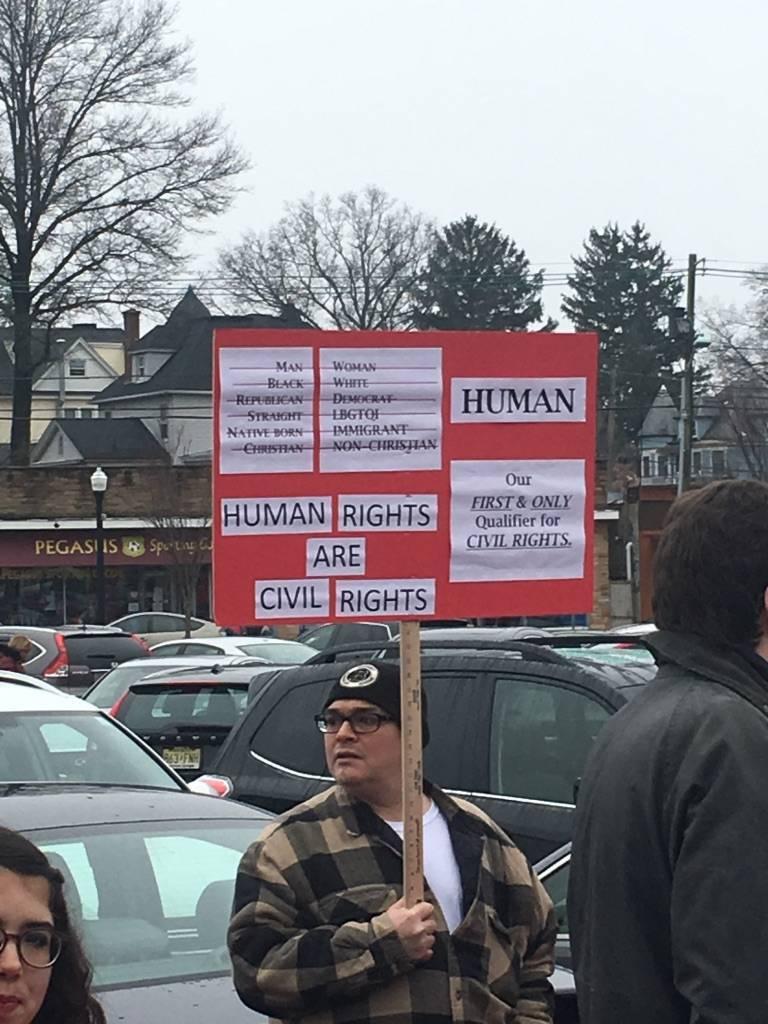70150190476f42319a30_human_rights.jpg