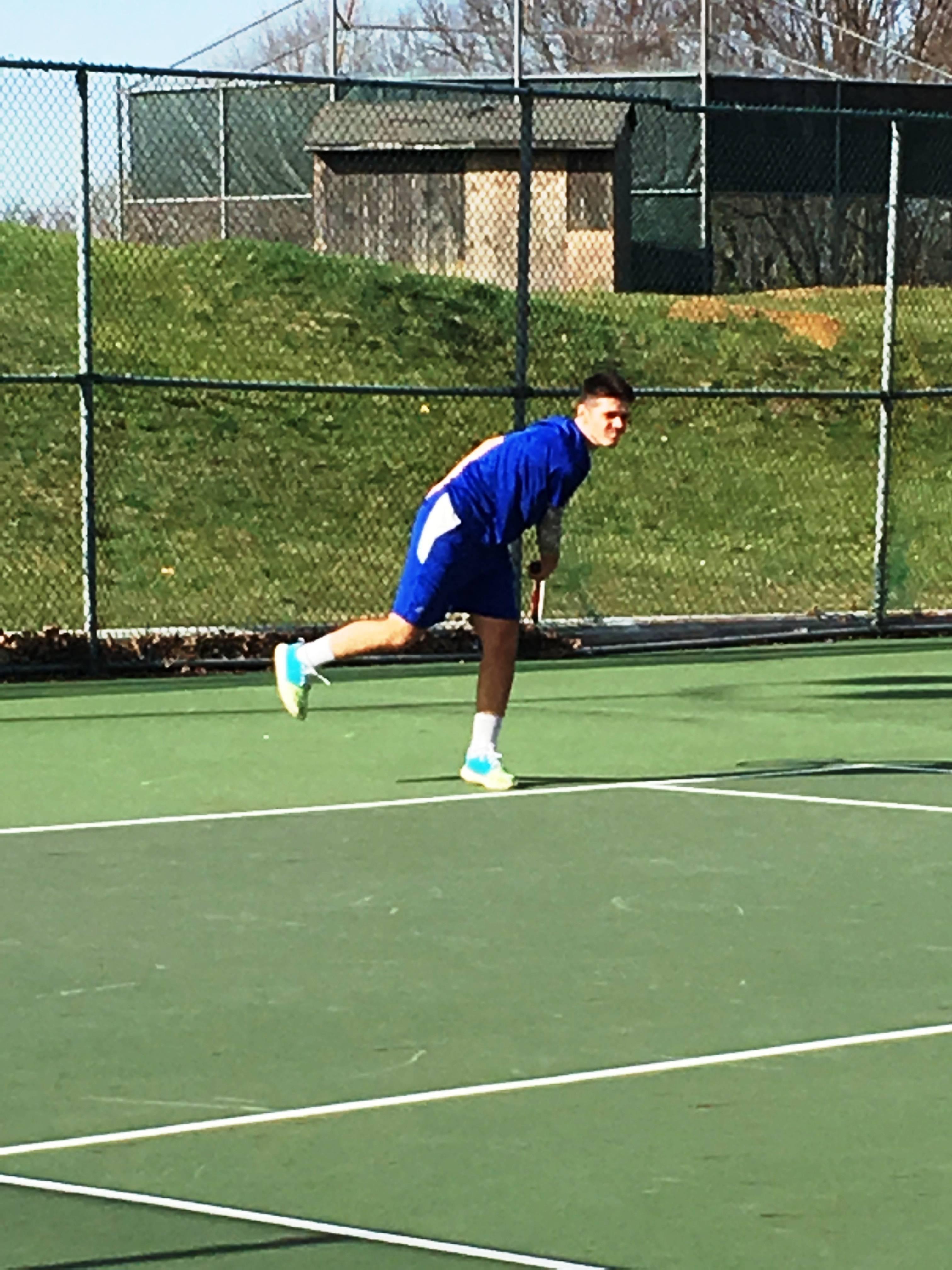 72ee0b85bdbf1bbd87dd_tennis5.JPG