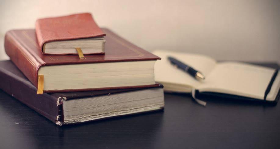 74237513736c5c1669b8_1262df8b845b227a50ab_49bfc9c4f0a1dc5fb849_bookpublish.JPG