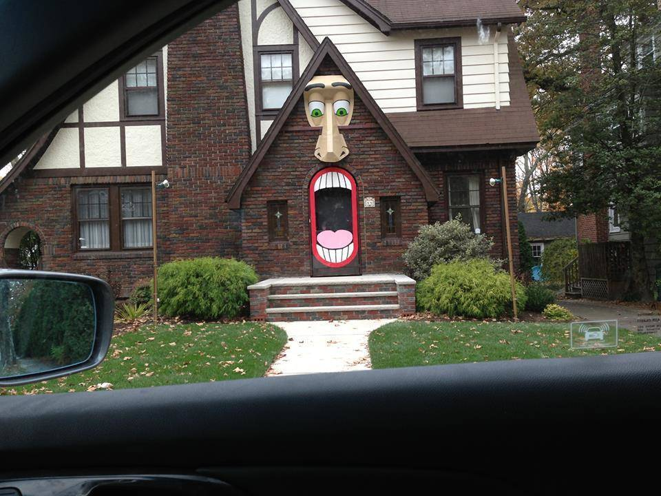 haunted house on beech spring road - Halloween Houses Decorated
