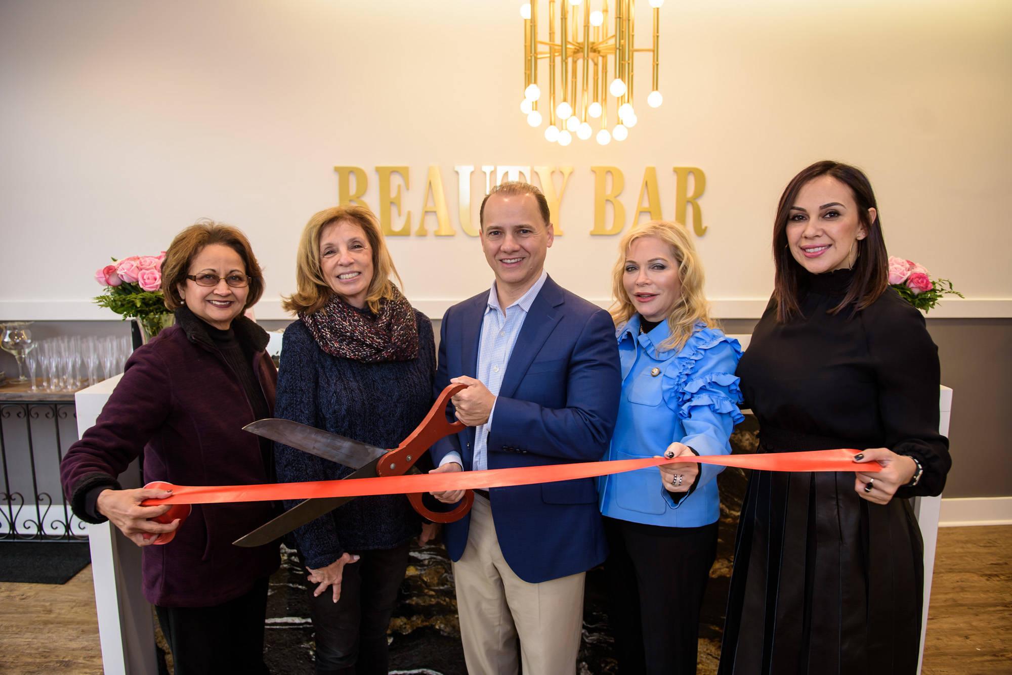 Livingston's New Dasí Salon and Beauty Bar Partner for Grand Opening Ribbon Cutting