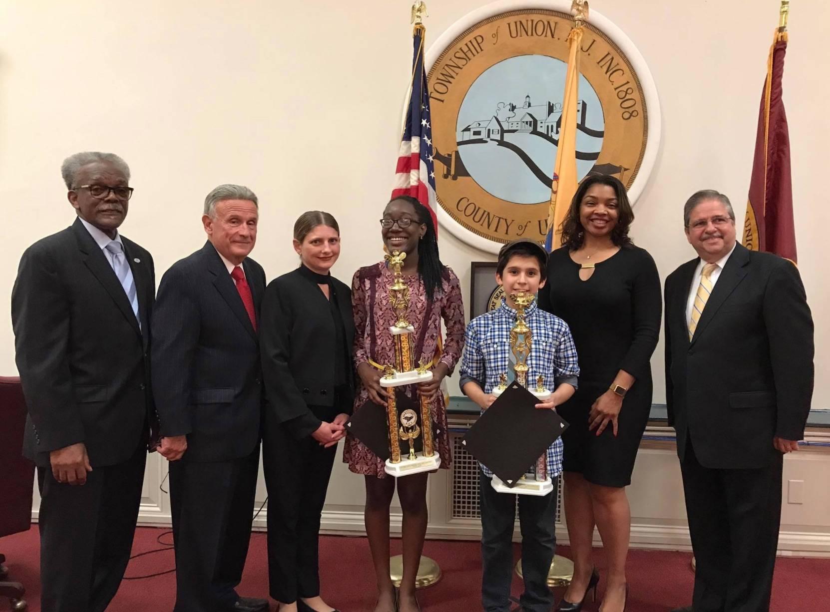 799fbb05a97e9c54fea2_107250627556996ea66f_spelling_bee_winners_receive_mayor_s_award.jpg