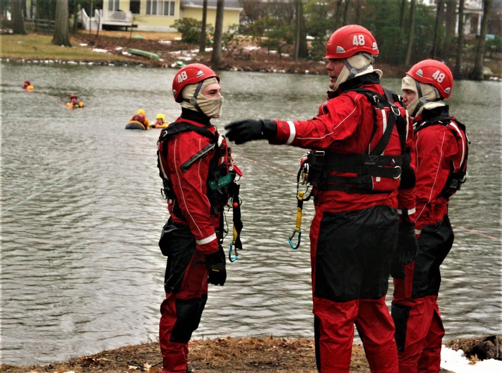 Cranbury Fire Company Conducts Ice Rescue Training South Brunswick Cranbury Nj News Tapinto