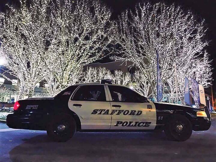 79f0a50084fe0284d420_Stafford_police_cruiser_christmas.jpg