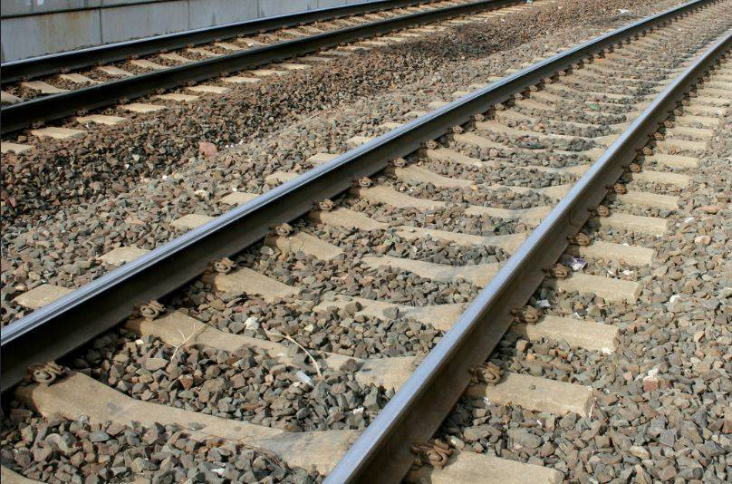 79f14a23720fb4b3b2aa_Train_Tracks.JPG