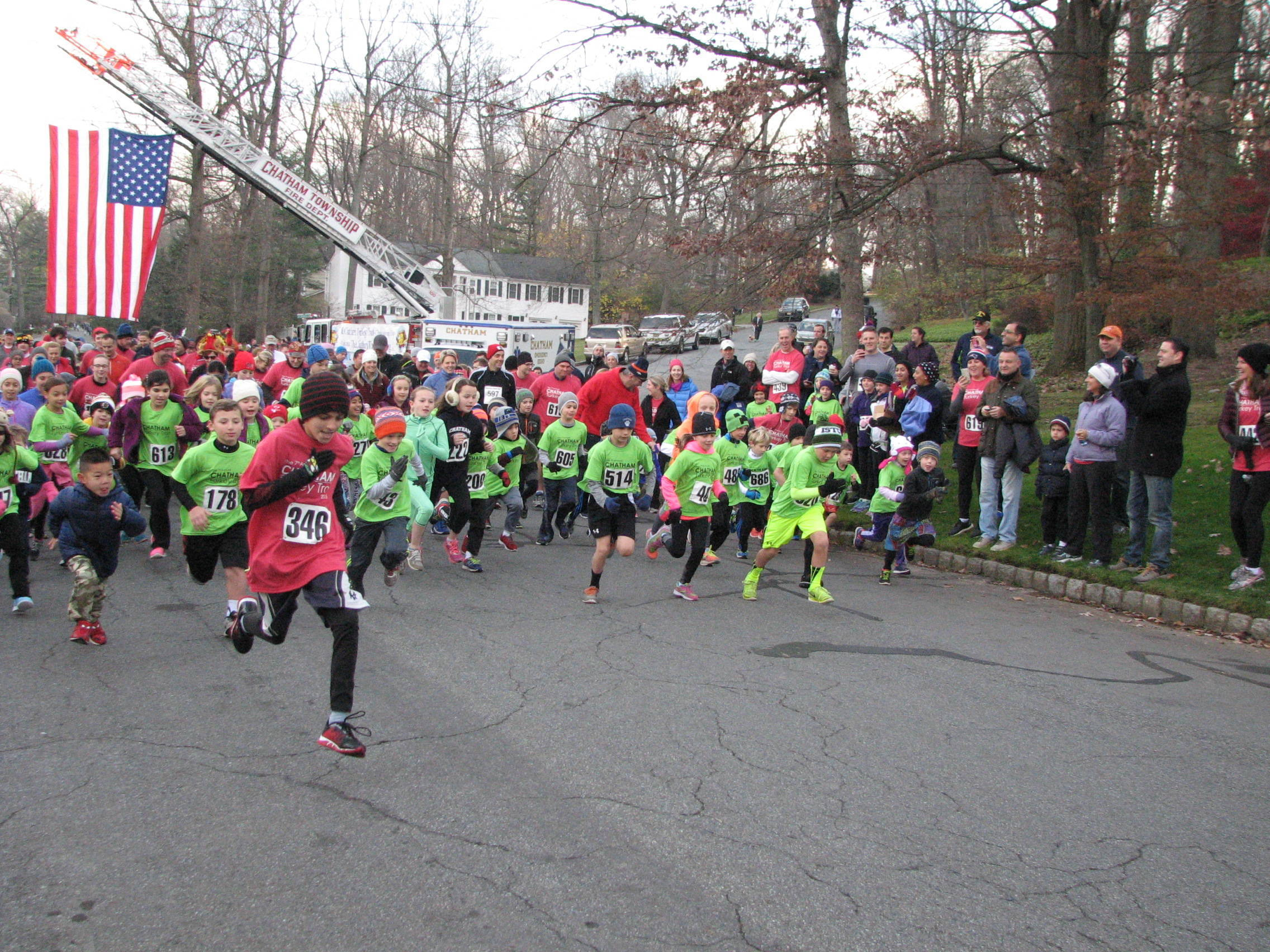 More than 3300 participate in chilly Briargate Turkey Trot Thursday