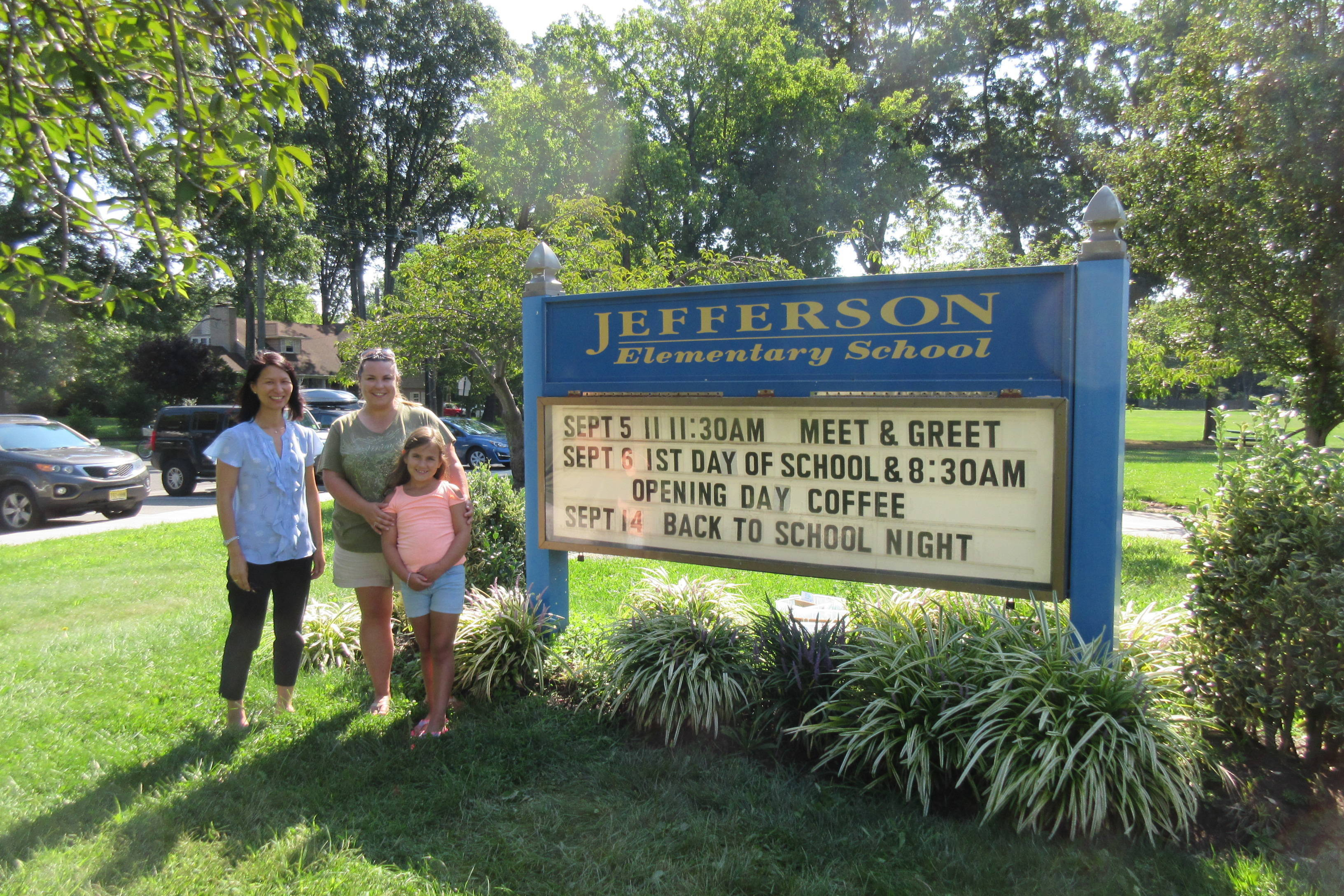7c509ec4e9556b56b476_455abd6a5bfe3ef3f26e_Jefferson_School_Welcome_sign.JPG