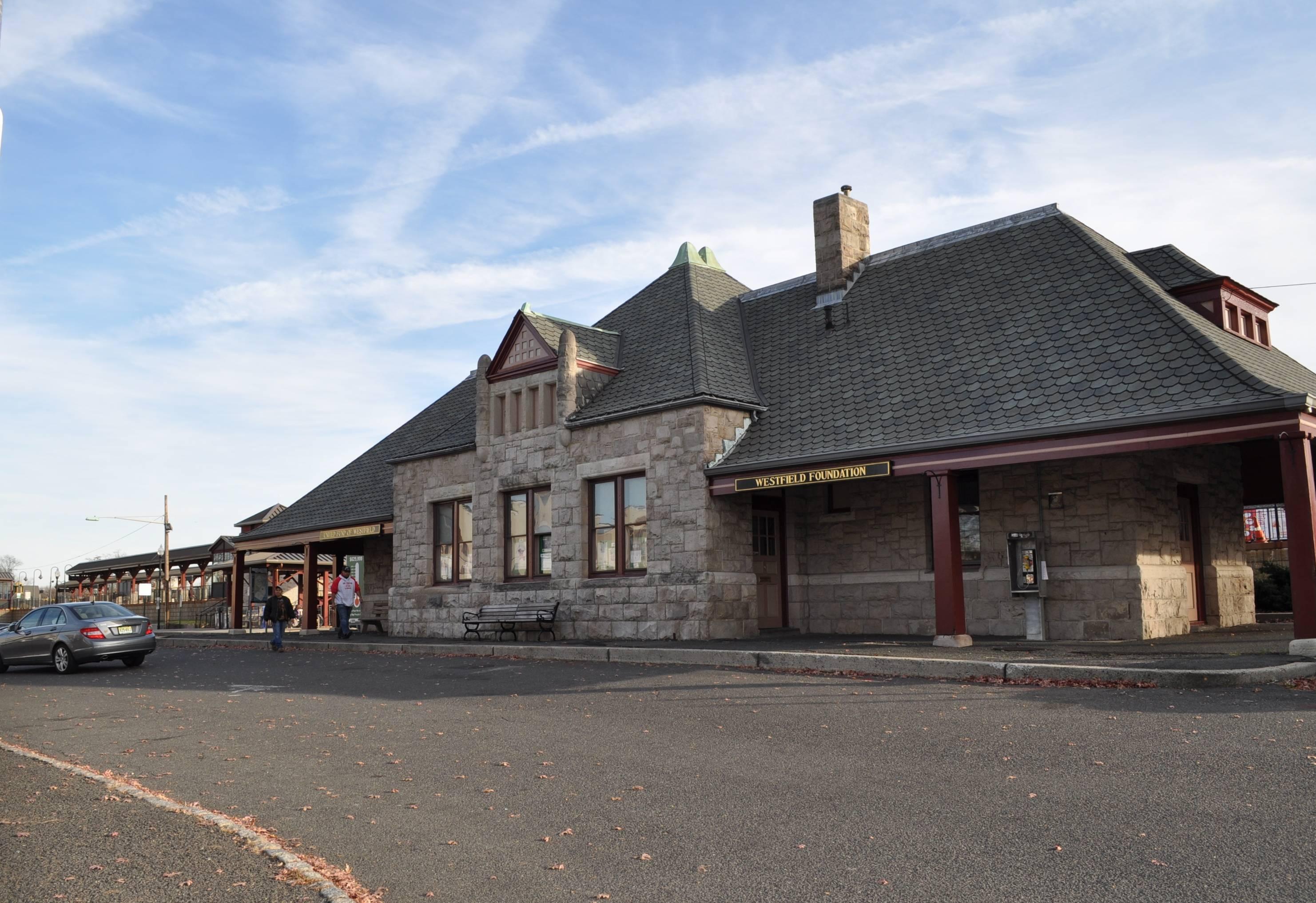 7cef9c5dfcb6e8f57c69_train_station.JPG