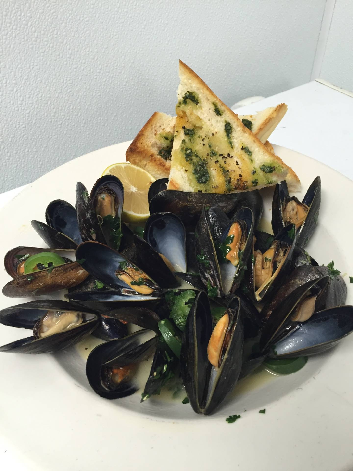 7cf13b5958dd11a551e1_Sheelens_mussels.JPG