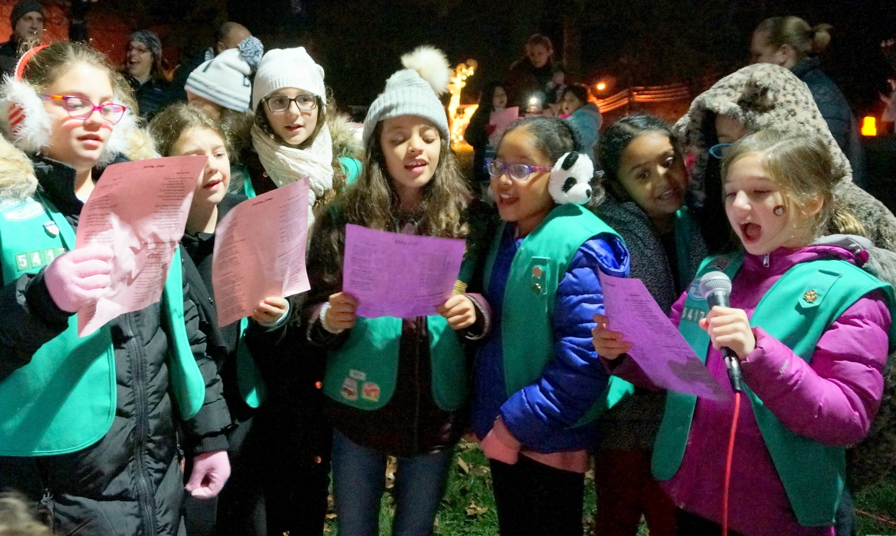 7f7cad9ac9d870729d58_a1_girl_scouts_different_light.JPG
