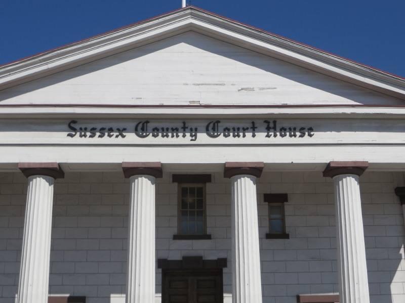 81c9e899af5366a318c3_County_court_house__2_.jpg