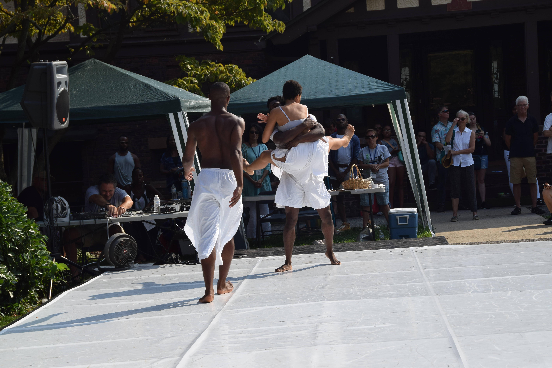 Hundreds Flock to Dance on the Lawn Festival at St. Luke's