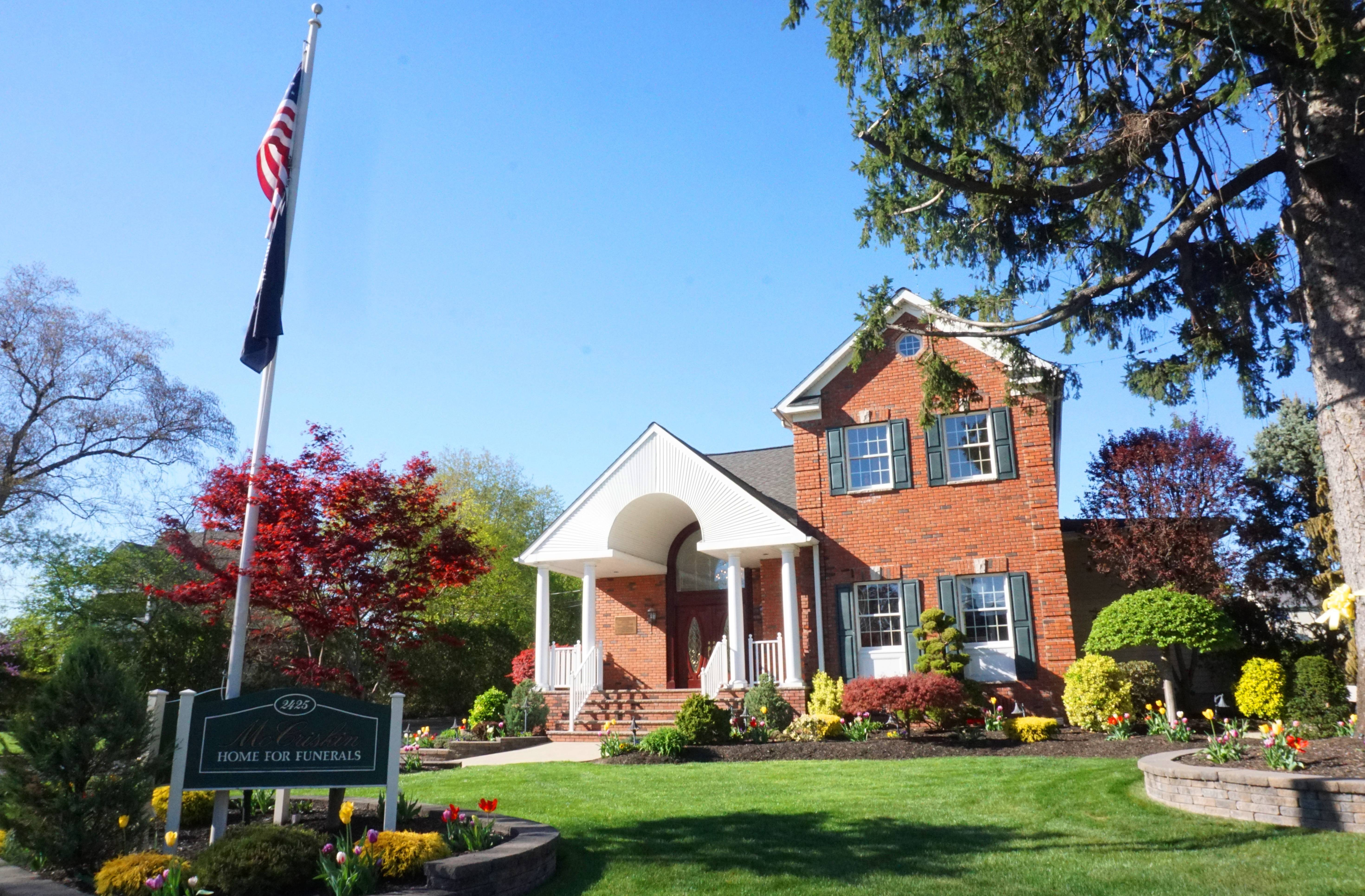 McCriskin Gustafson Family of Funeral Homes forting and