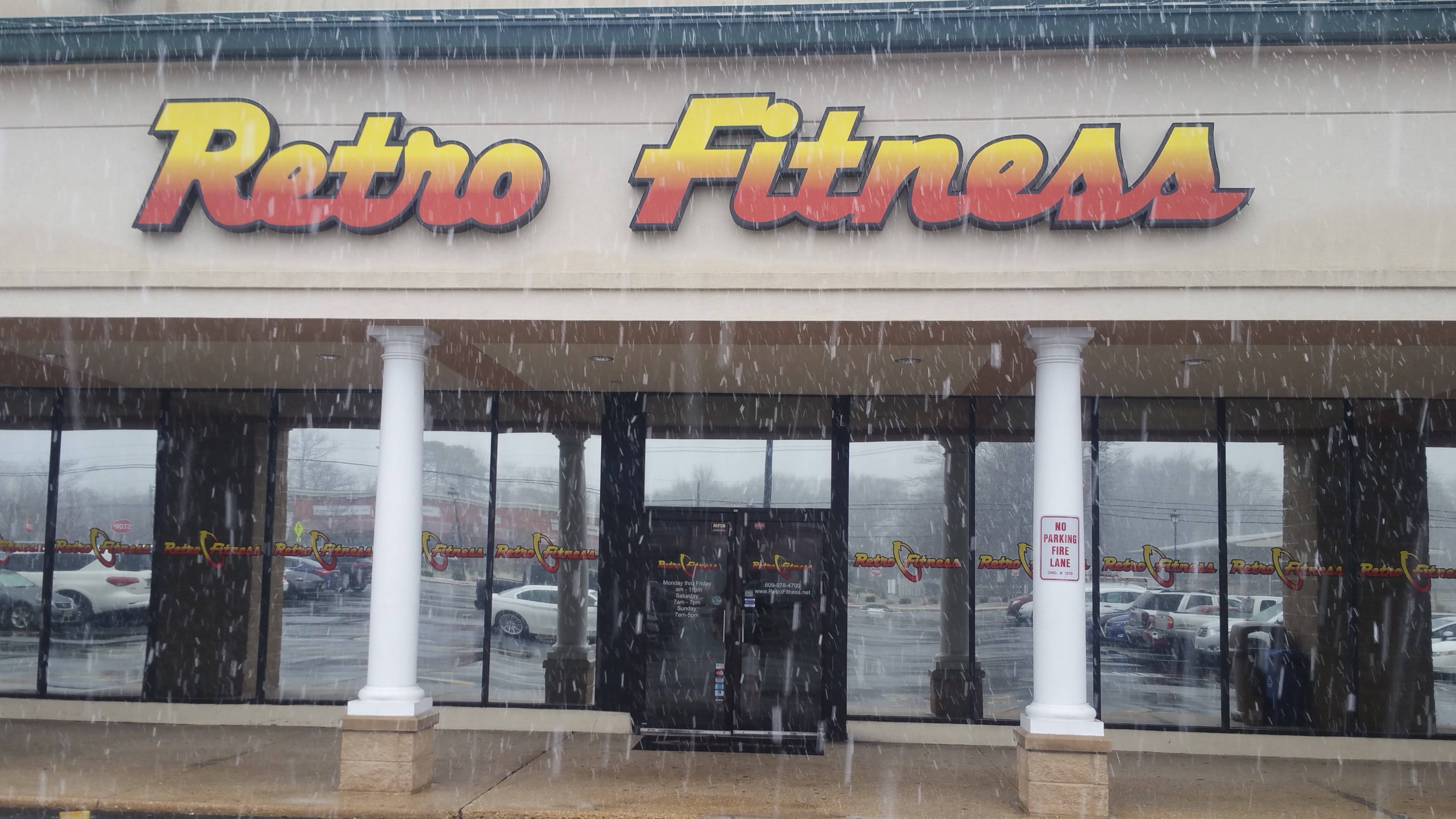 a3a7ef3bb9afb09abf99_retro_fitness.jpg