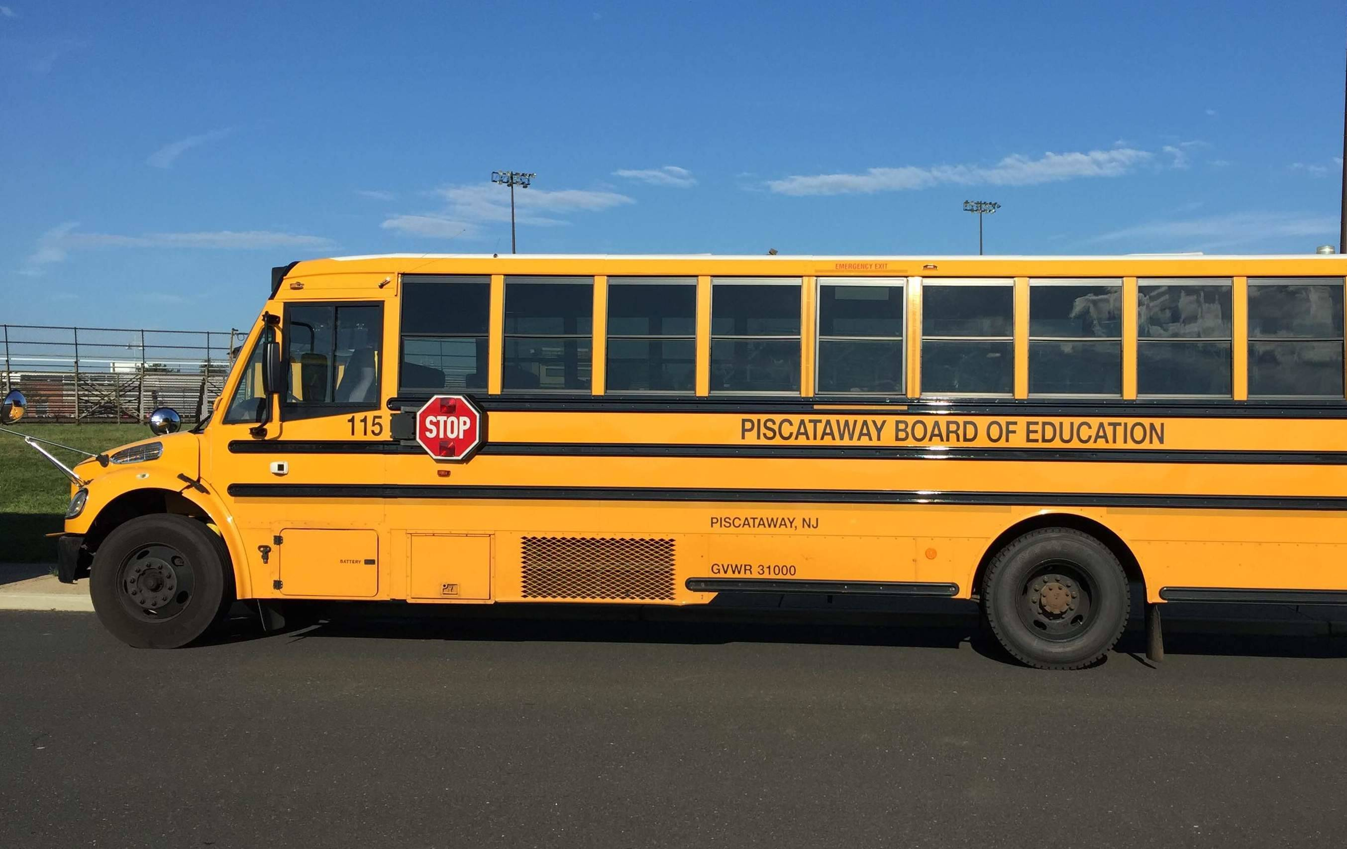 a62c8b6a357be88c719b_School_Bus_credit_Ken_Simmons_cropped.jpg