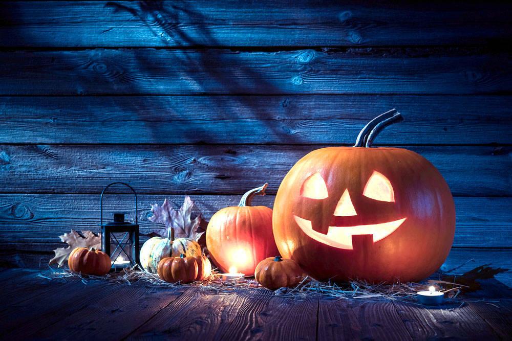 a8f64b6e338141d40c2e_halloweenstorytelling.jpg