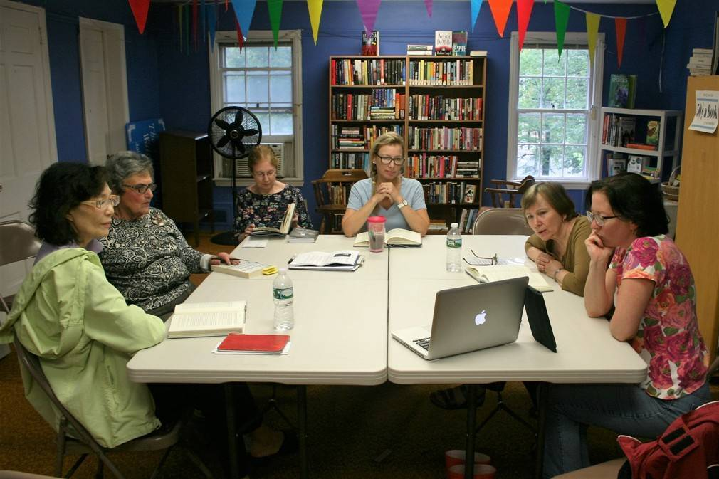 ad30232c3369aa28c886_SCLSNJ_WGL_Book_Club_during_discussion_091916.jpg