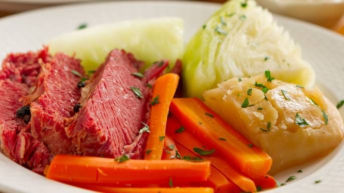 ad6b8648604d36bb9d5e_Corned_Beef_and_Cabbage.jpg