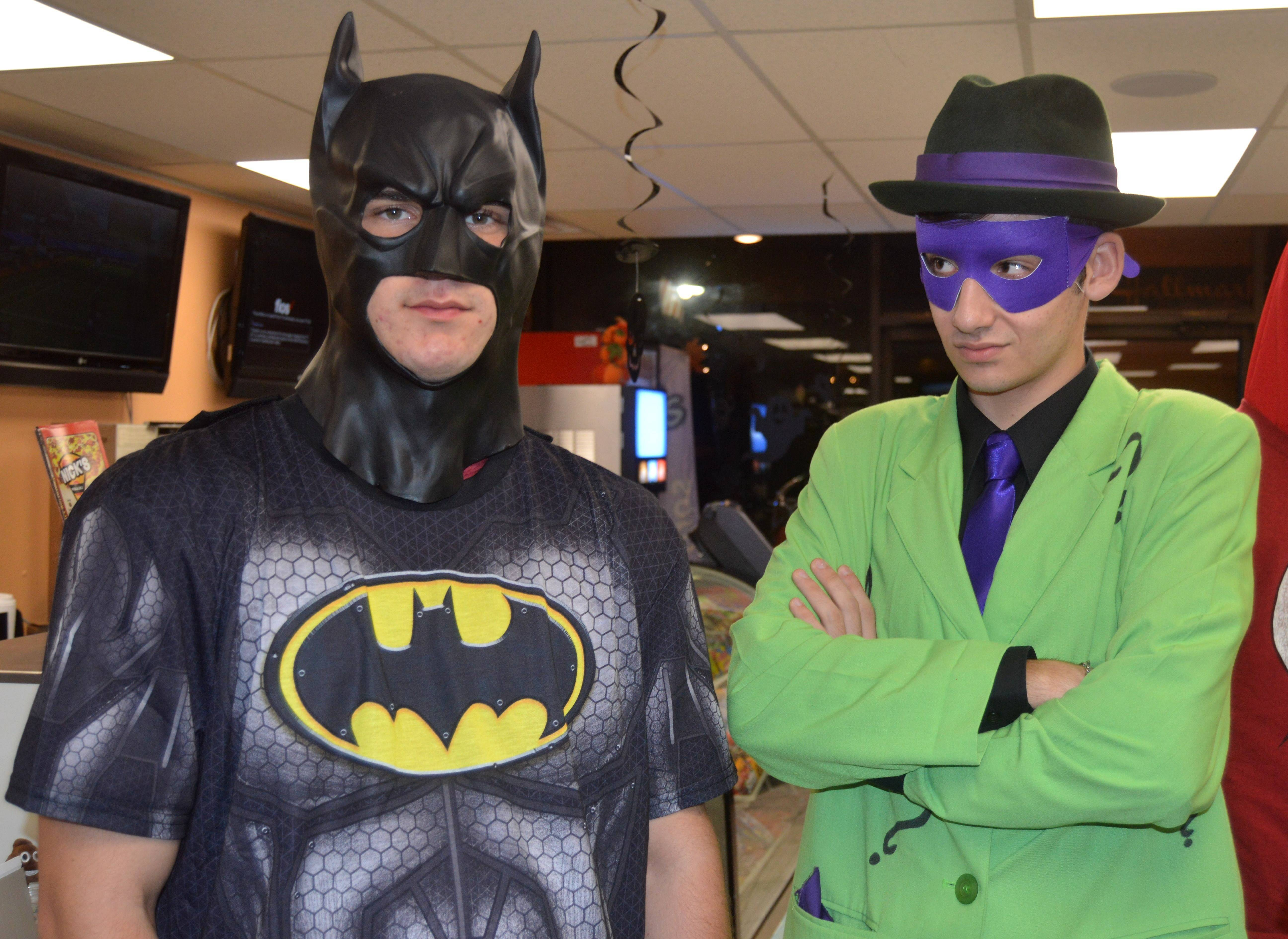 aeecb6d4d77ce72026a3_Nicks_-_Batman_and_Riddler.JPG