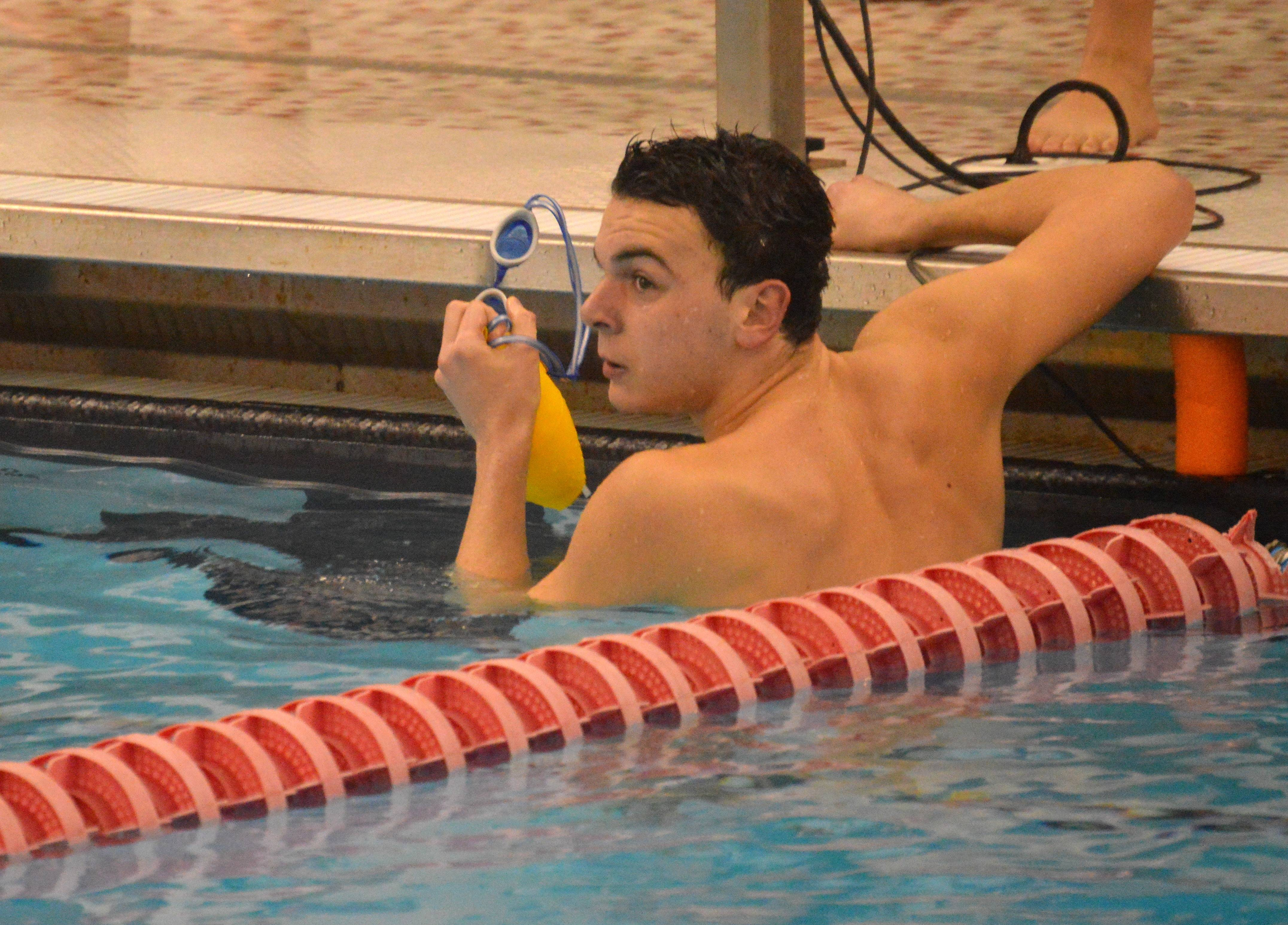 b175346a6d332e3c835e_1-10-17_backstroke_winner.JPG