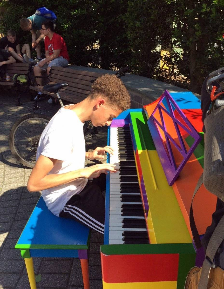 b3553c31fafd0cd780fe_Boy_playing_piano.jpg