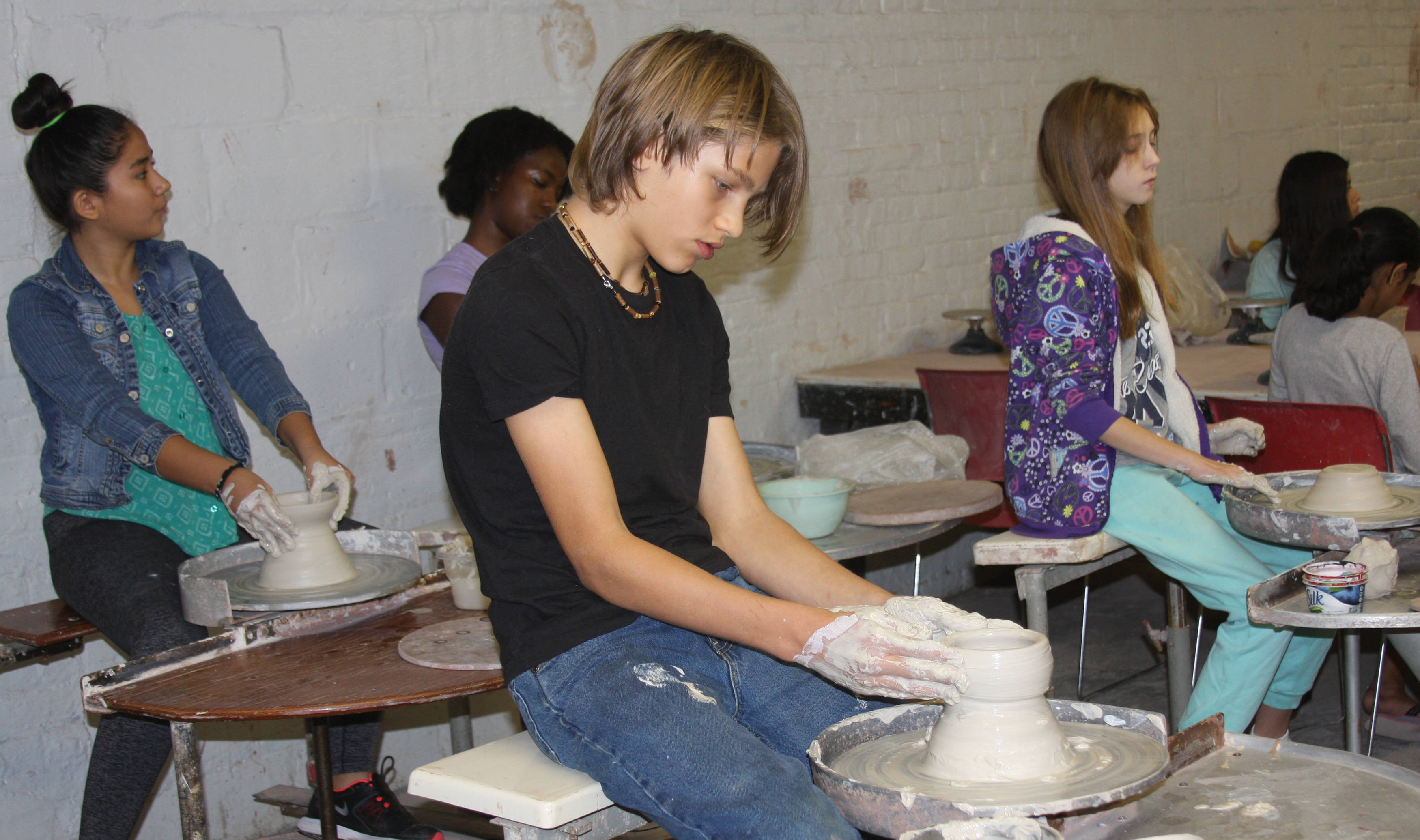 b4d7b6a47b36090a09fc_TEEN_POTTERY-_duCret_Teen_Classes.jpg