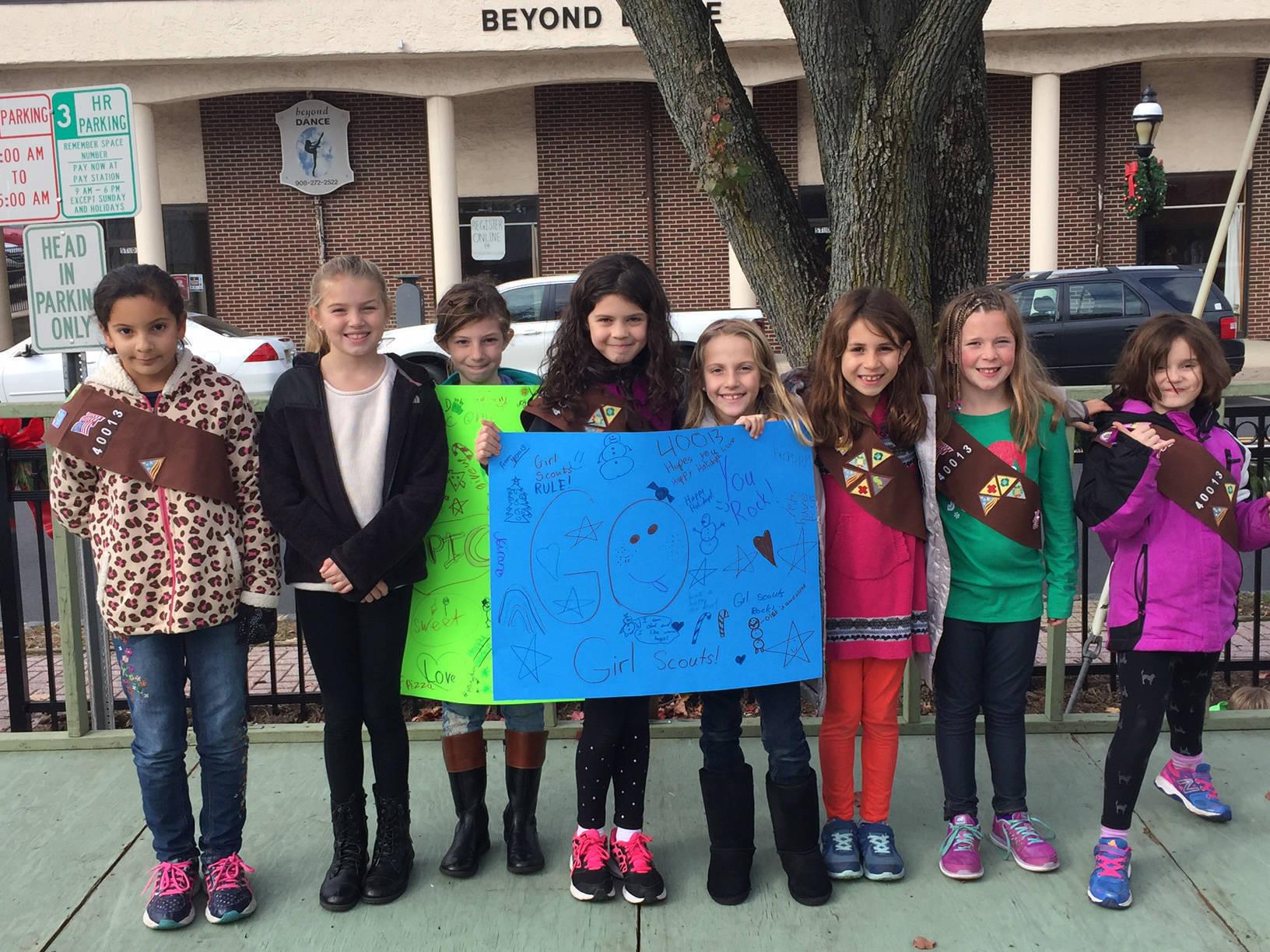 Girl Scouts of Cranford Kick Off Holiday Season