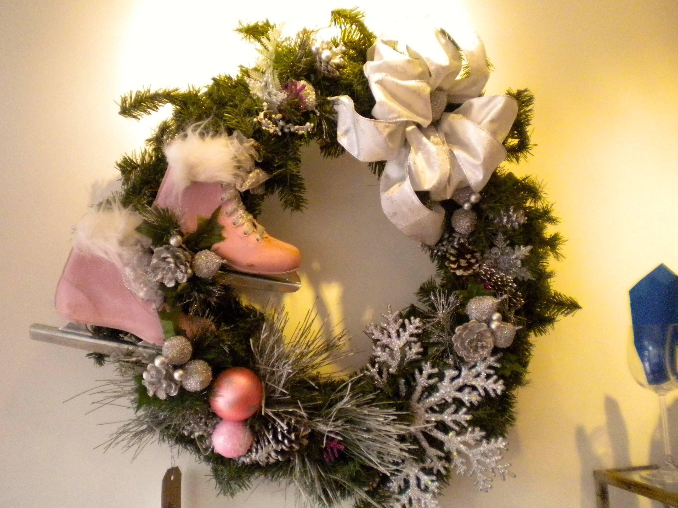 b5a1ca72de48e21e8b07_516e72e962e9aca5acb6_wreath.JPG