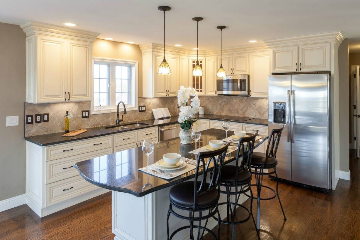 Small Kitchen Decorating Ideas For Home Staging: Home Staging Tips For A Successful Sale