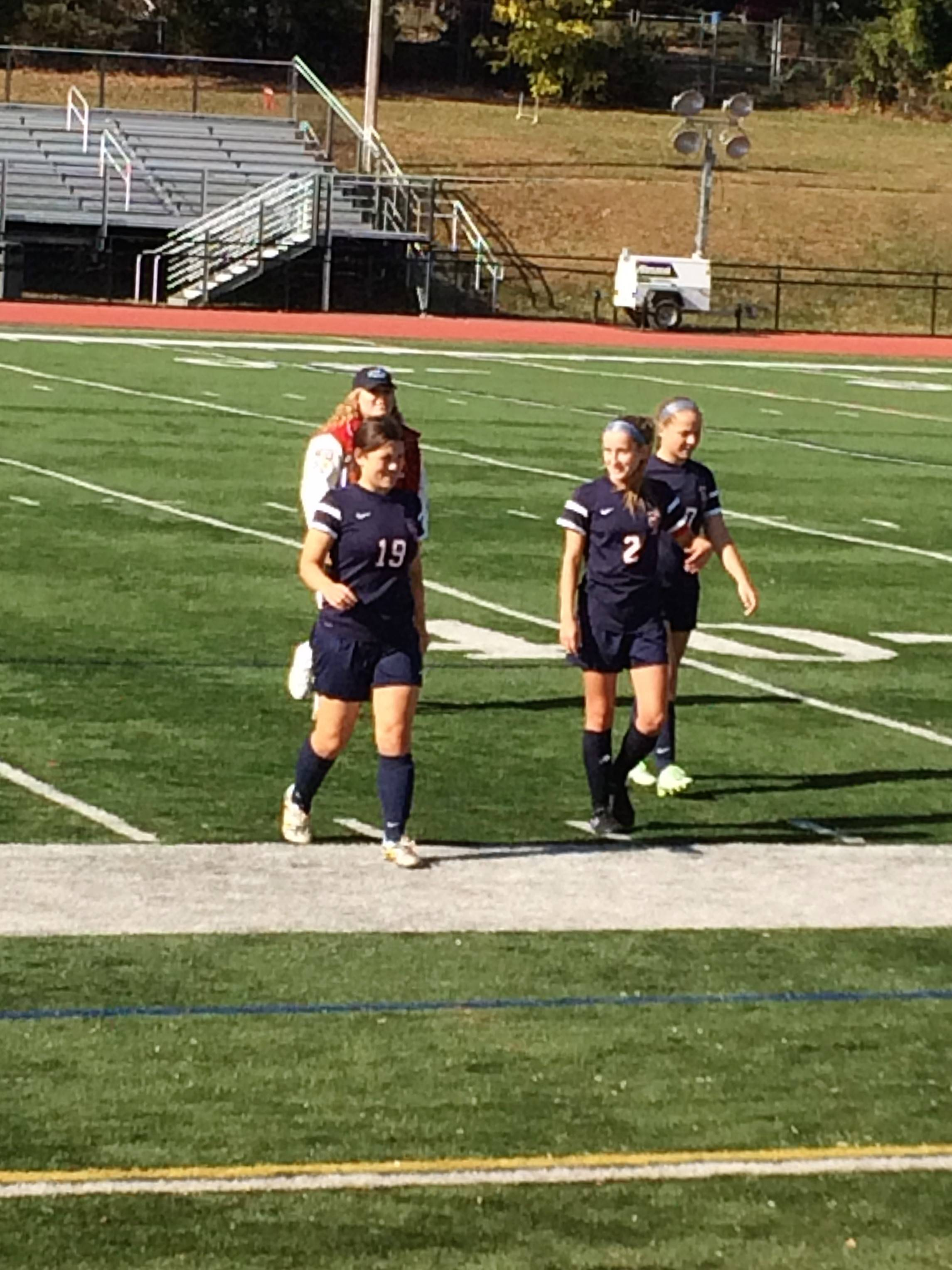 ba79517552062b74fad5_girlsoccer_captains.jpg