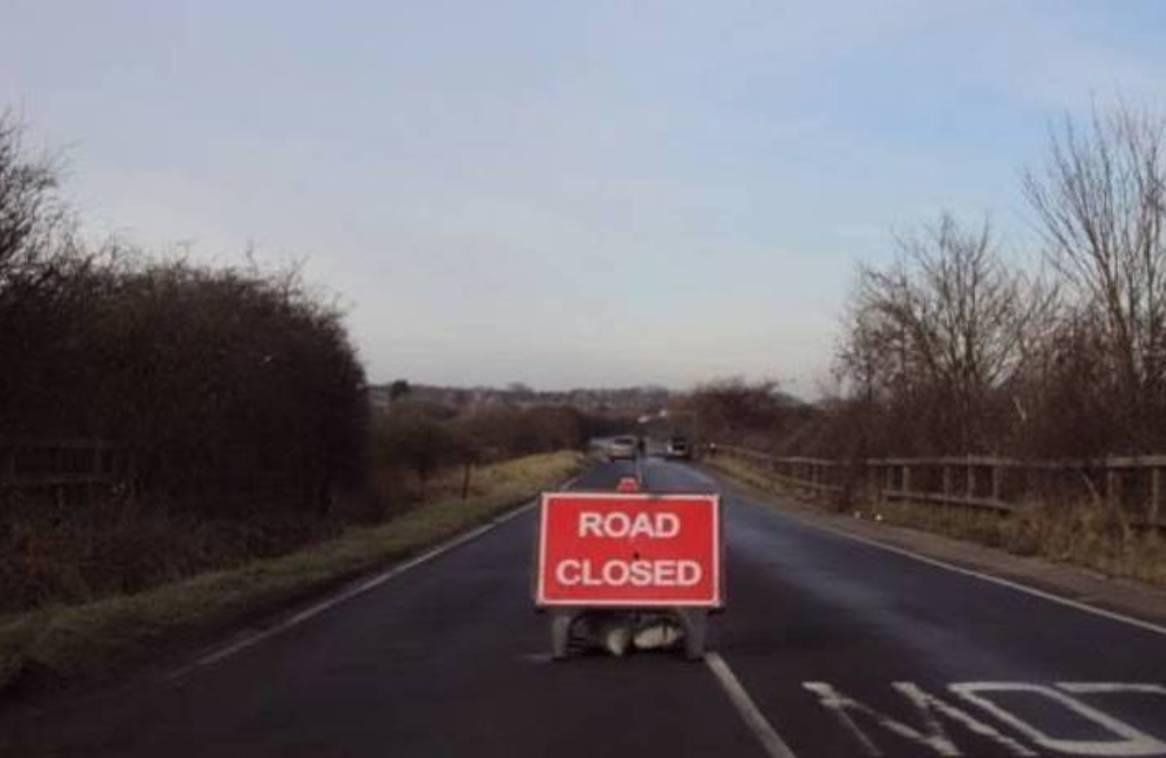 bfc89f90792944d972c4_f011ef87f88dd2a5441e_road_closed.jpg