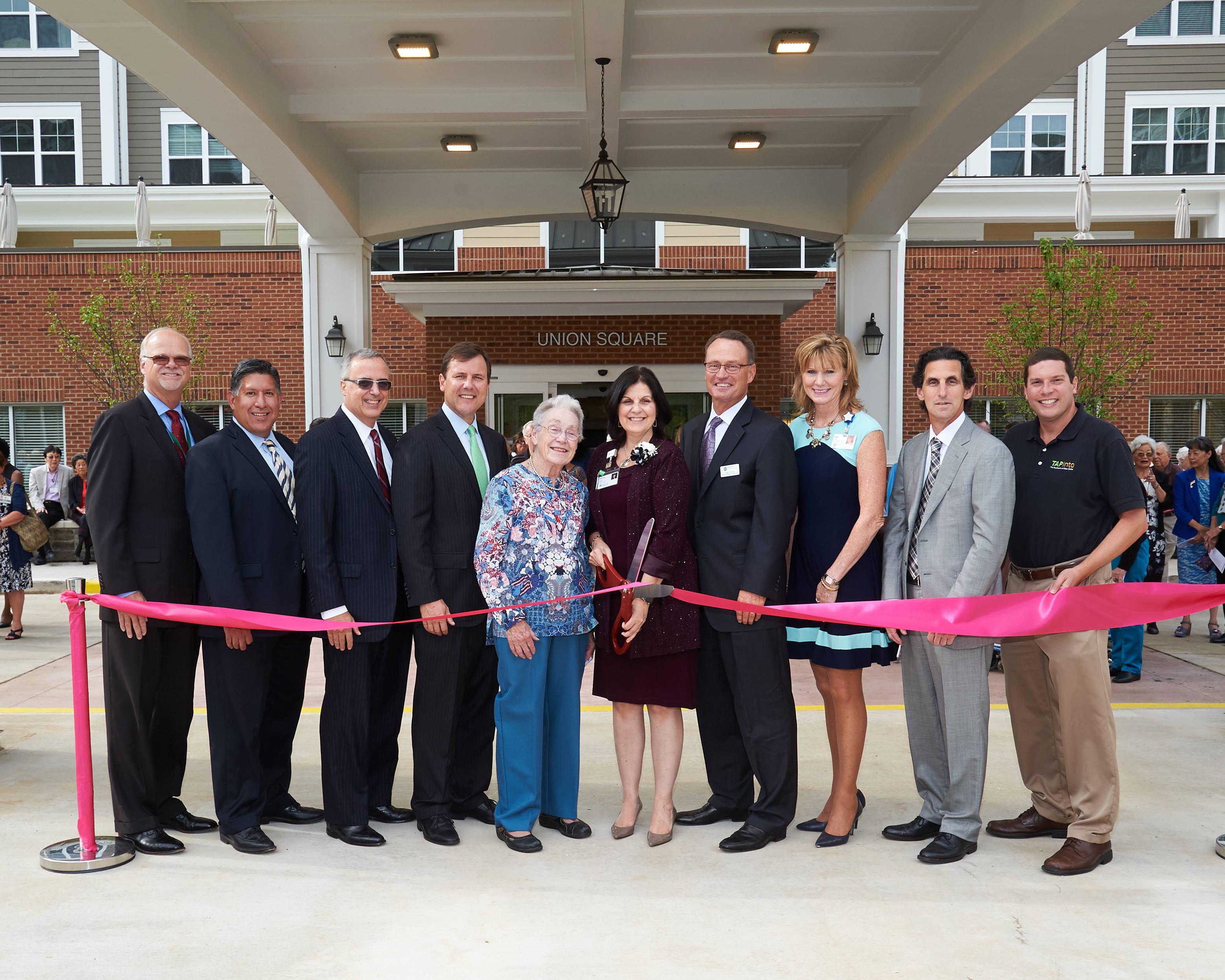 c4da8759eedc1f12493e_Lantern_Hill_Ribbon_Cutting.jpg