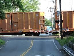 c66555c95077b5b41a58_train.jpg