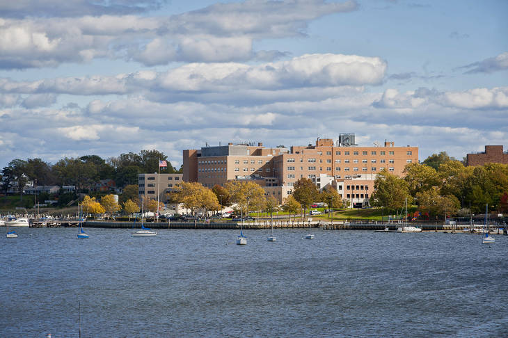 014413ca6fdce40e51c4_Riverview_Medical_Center_from_river_side.jpg