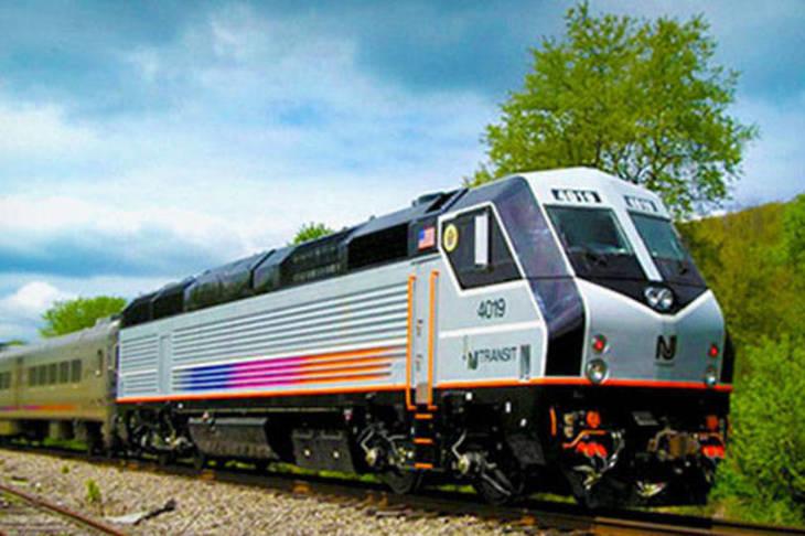 Train derails in New York City's Penn Station