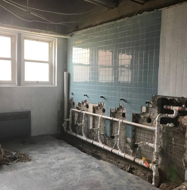 02f30afc01f4060d16a8_LZ_Bathroom_crop_by_Katine.jpg