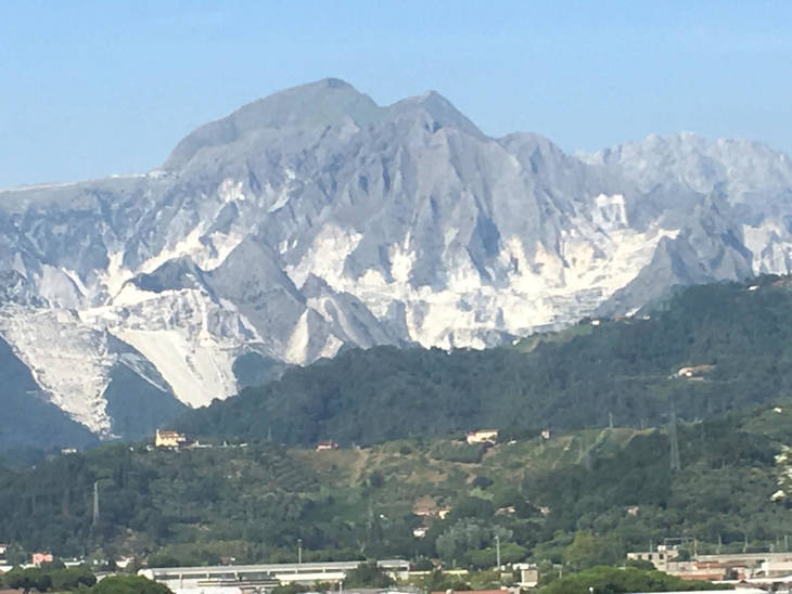 04bfe06cbd8adbb47429_Carrara.jpg