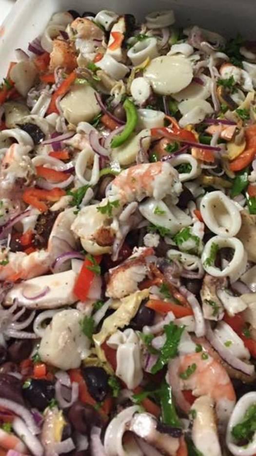 0857ec795236569d1a20_seafood_salad.jpg