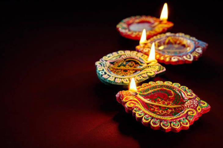 087892f3179fcc63786c_63cf14b048e789fd1b28_Diwali-2.jpg