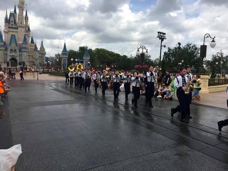 09e0595575098e8216d1_CHS_marching_band_marches_down_Main_Street.jpg