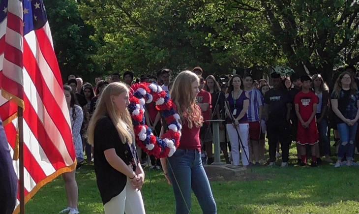 0caab49c496c33c90ad7_Middle_School_Memorial_Day_Wreath.jpg