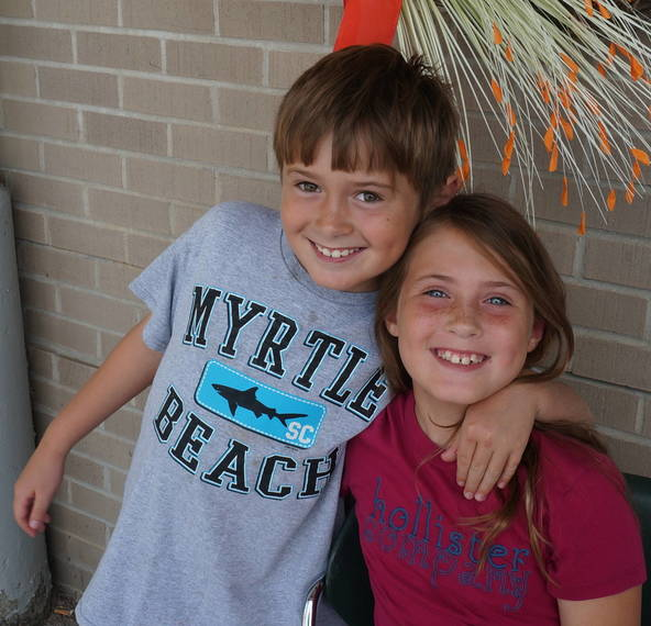 0d9018cf80615905cb22_a_John_and_Meg_at_the_Montville_Twp_Library_Summer_Reading_Finale.JPG