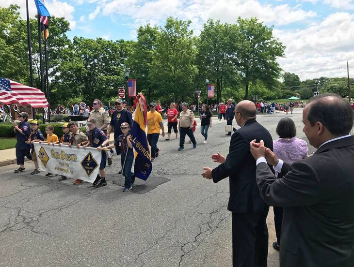 0f98bf98ac99a4d2ce9a_hillspixparade2017cubscouts.JPG
