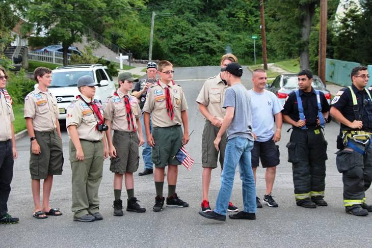 104f0e77127b14811964_EDIT_jt_with_boy_scouts.jpg