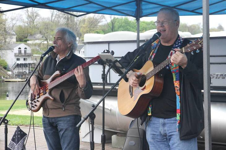 109b07bb2f9affb45678_6945fbc4c3a3619be5f7_The_Lake_Hopatcong_Block_Party_offers_numerous_bands_and_entertainment_options.jpg