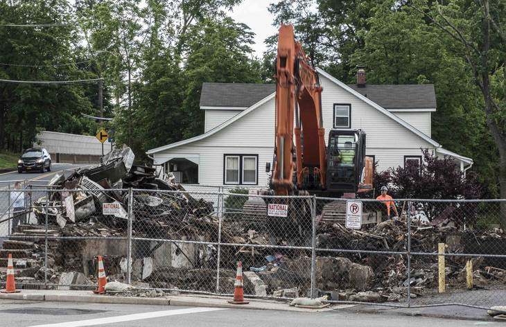 1109d218a6c3e1e38e7c_Billy_s_Red_Room_Demolition.jpg