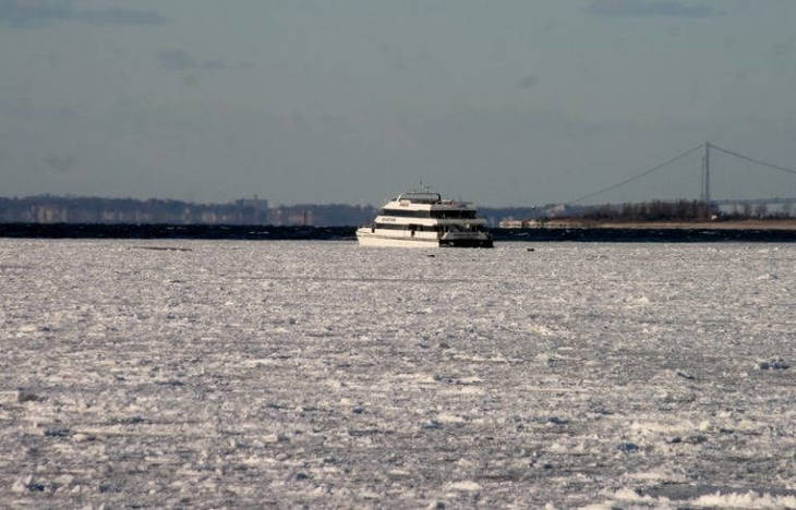 13c511a056384a2fa472_FrozenFerry.jpg